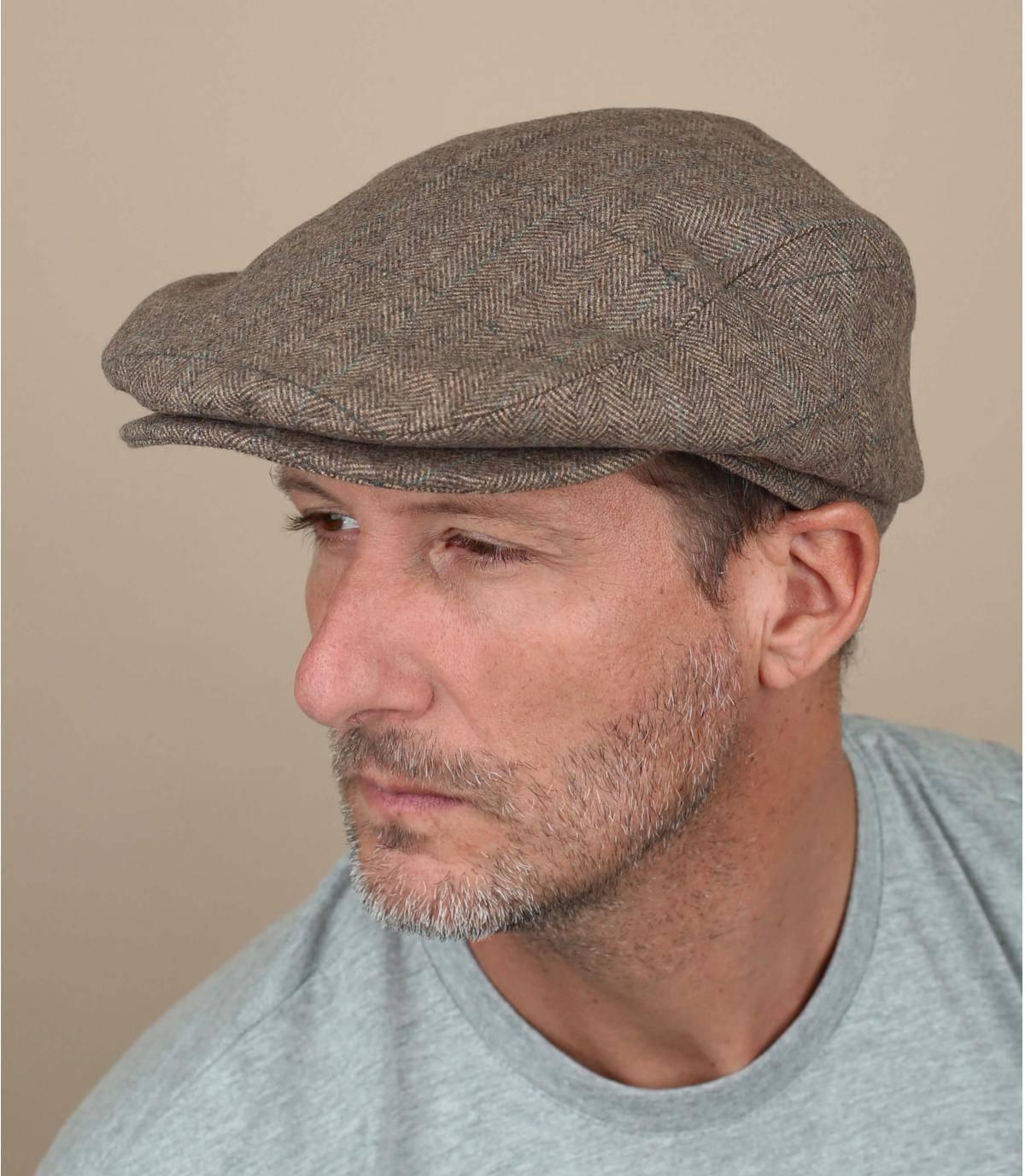 Realizzato in caldo e resistente misto lana, questo bellissimo berretto Barts è foderato con un morbido materiale satinato. È anche regolabile all'interno per una perfetta vestibilità.