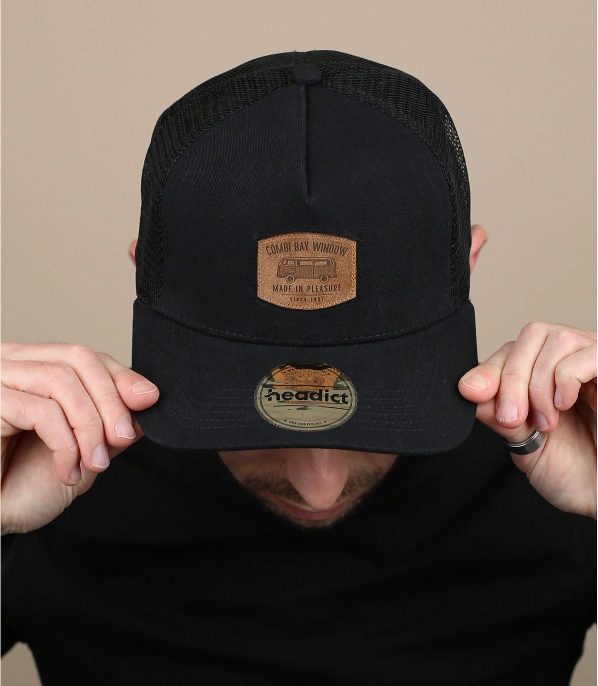 berretto nero Combi