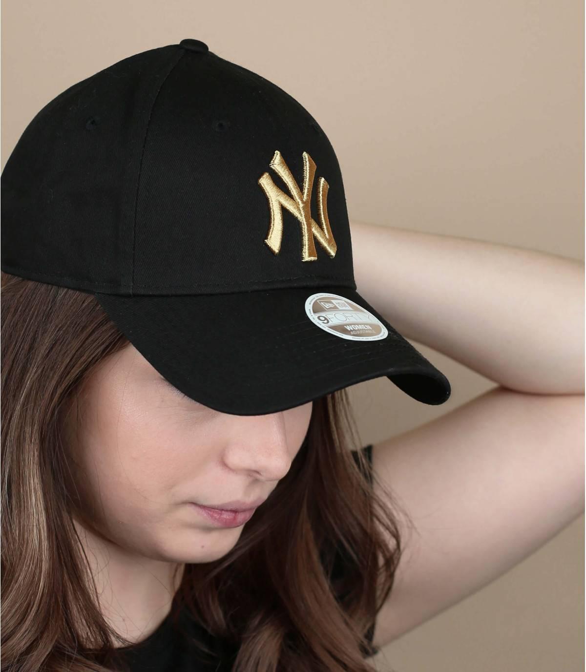 cappellino donna nero oro