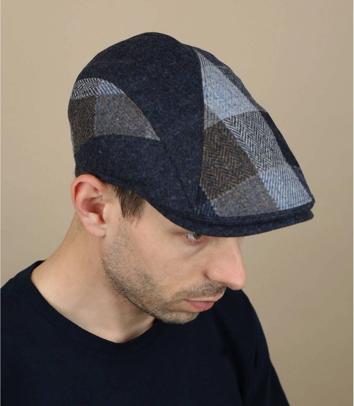 berretto di lana a quadri blu
