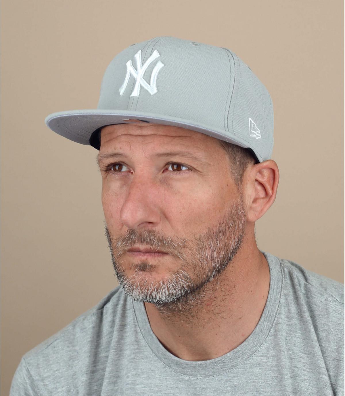 MLB Basic New York light grey
