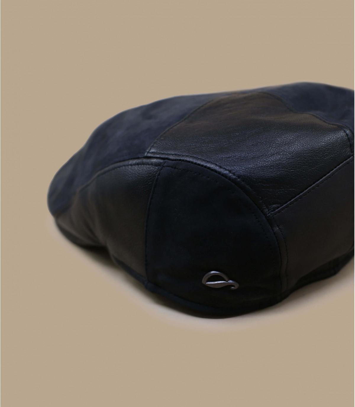 berretto in pelle nera