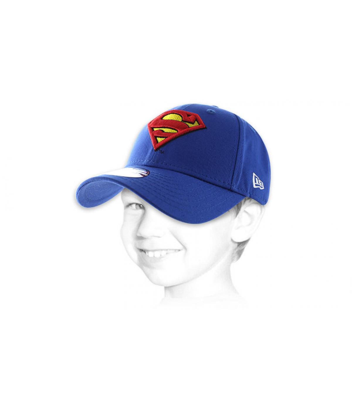 bambino della protezione Superman