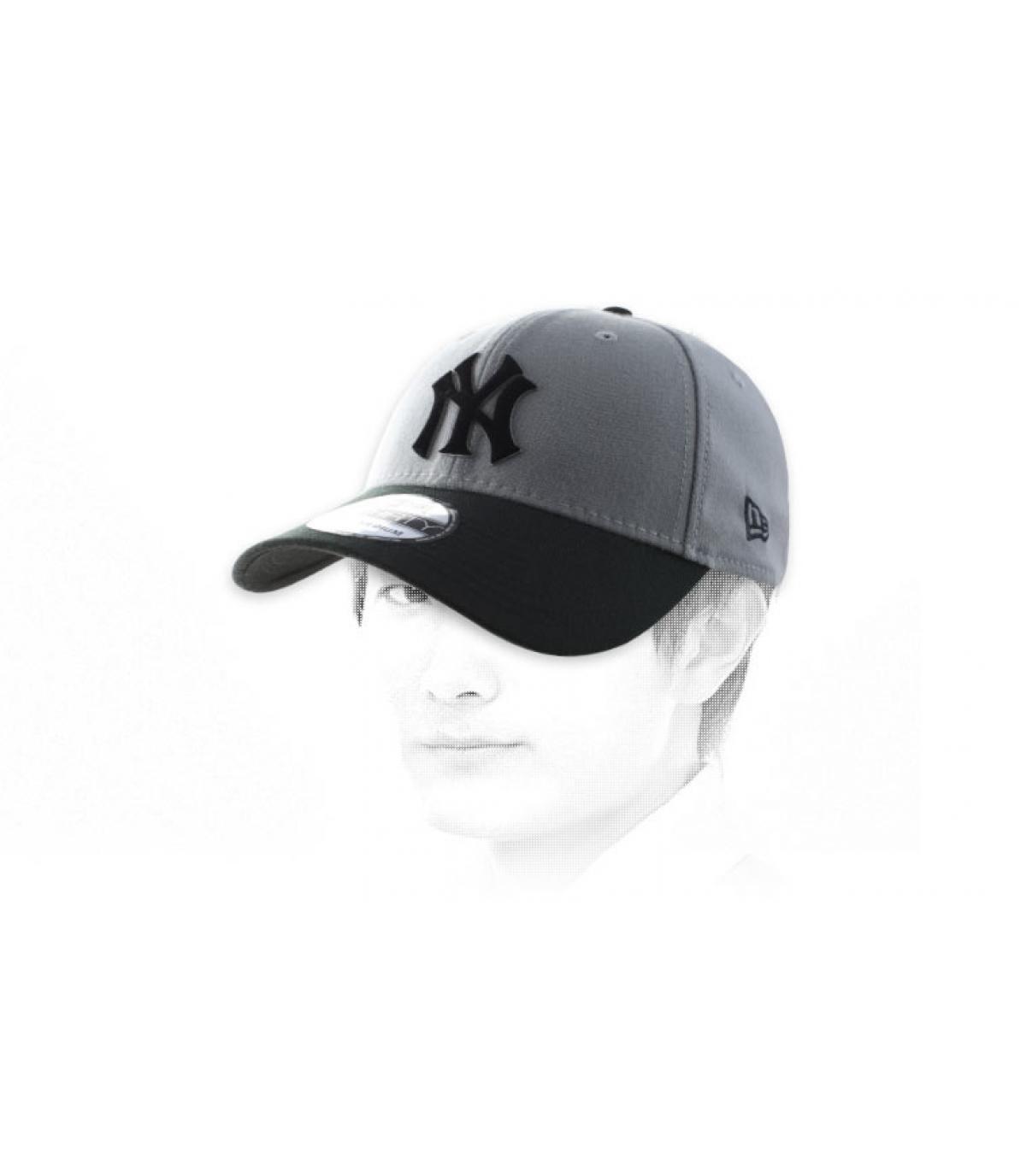 NY tappo grigio nero
