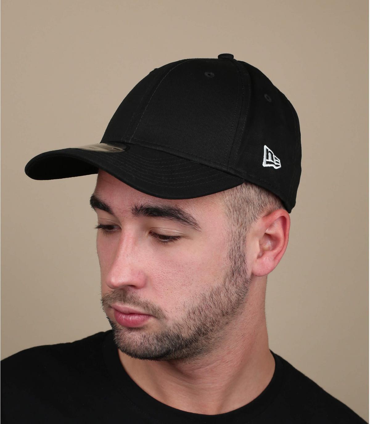 berretto nero con visiera curva Nuova Era