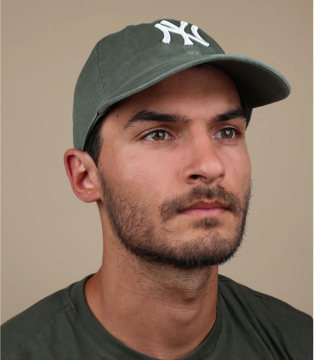 NY khaki tappo verde