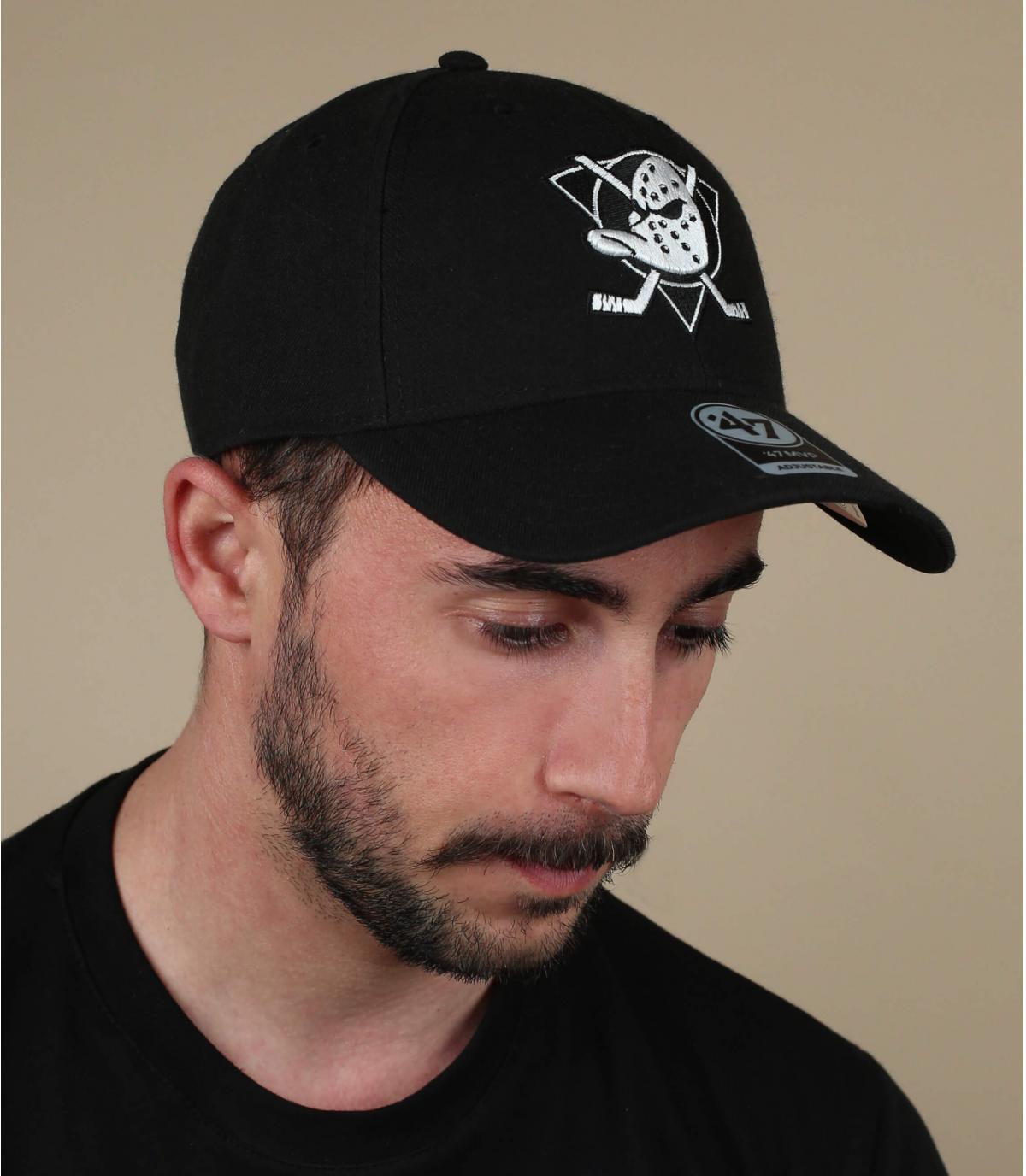 berretto nero Anaheim