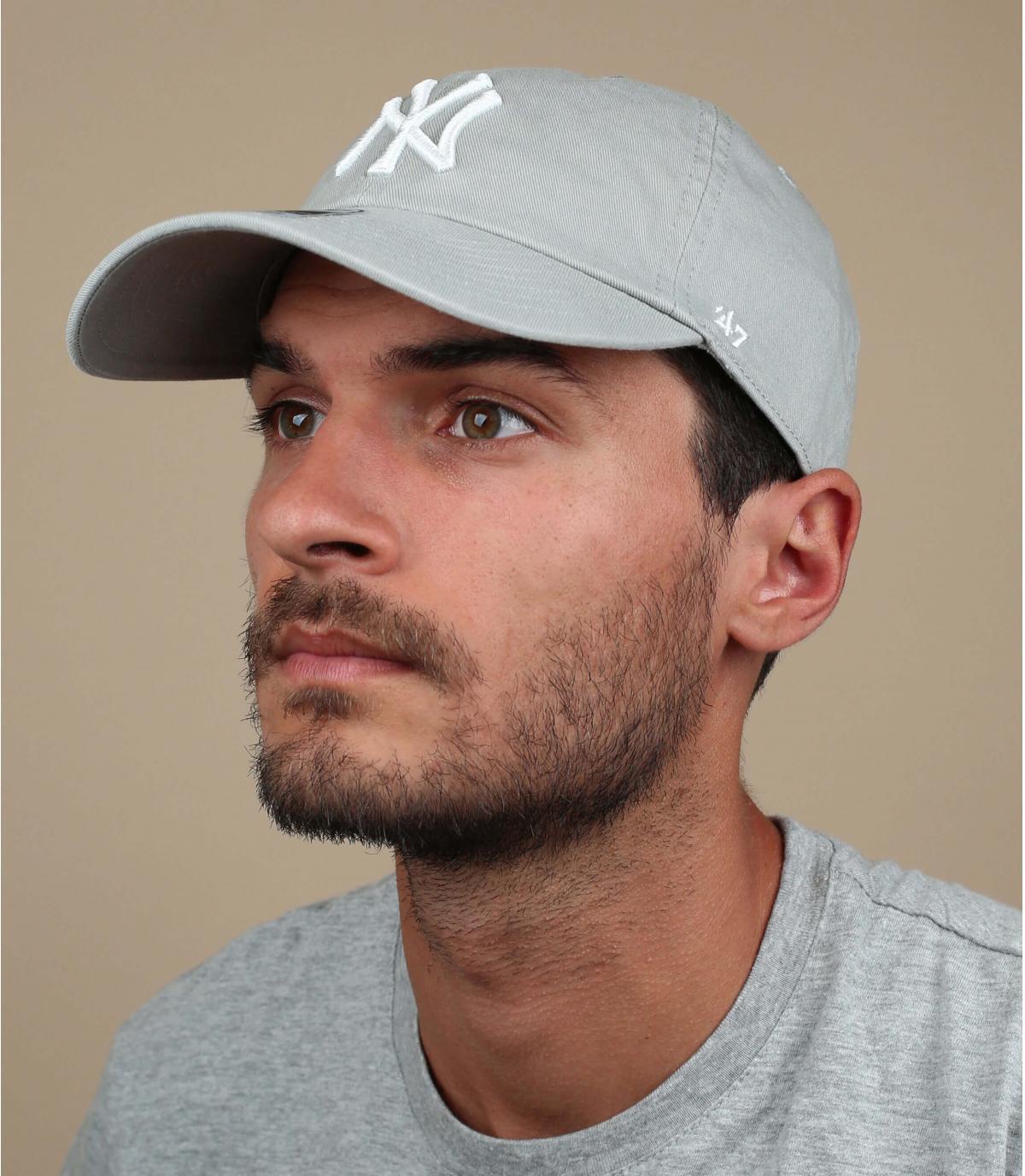 NY berretto grigio chiaro curva