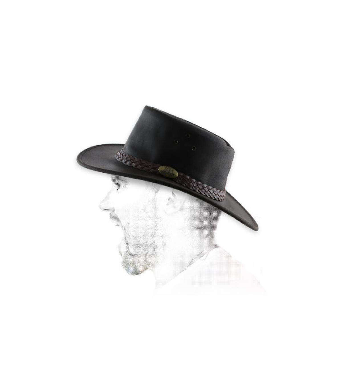 cappello di pelle ingrassata marrone