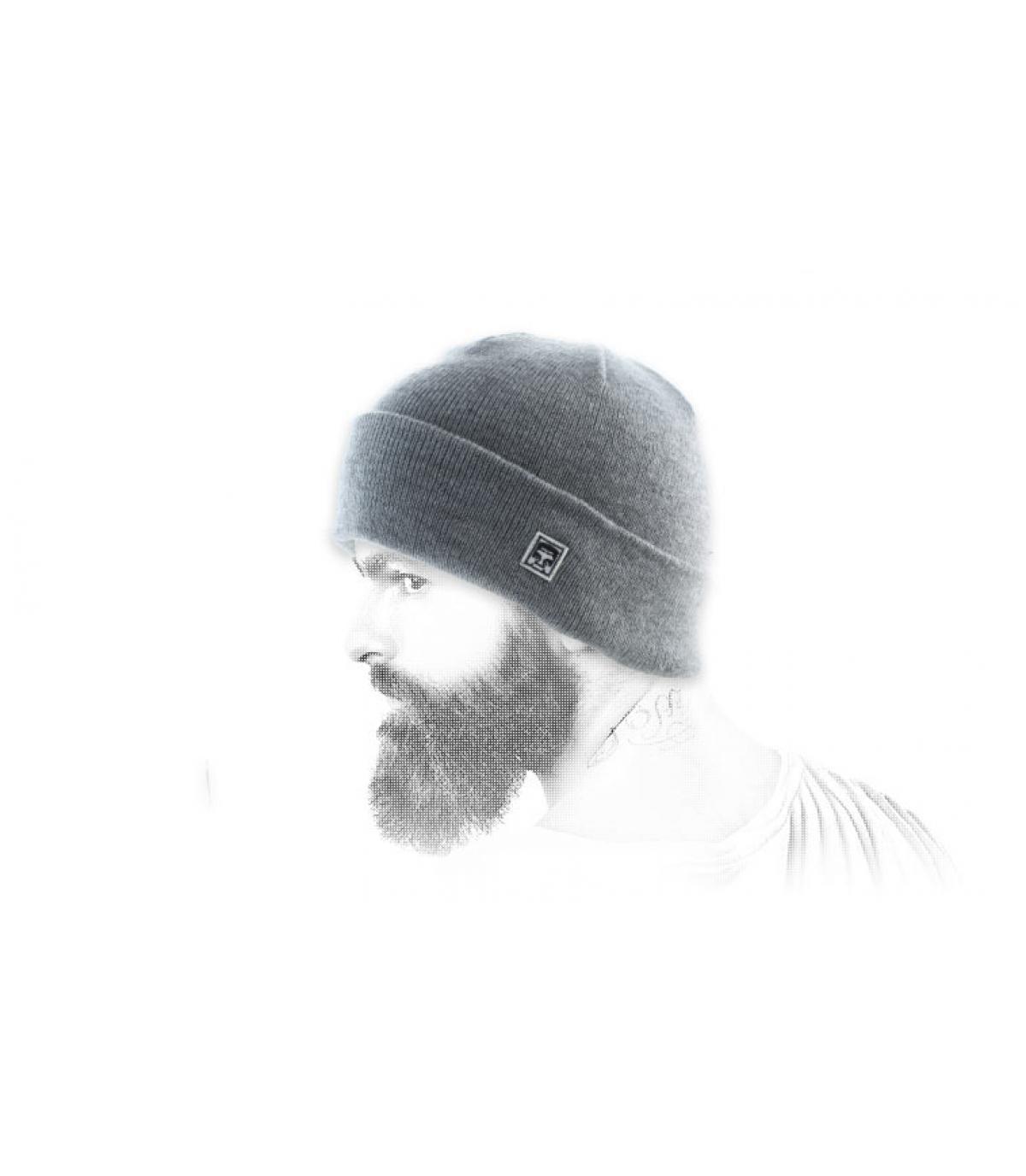 berretto nero Obey