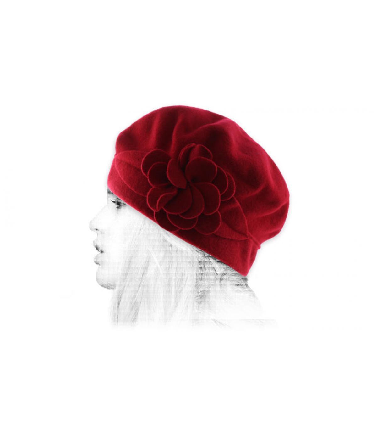 berretto di lana fiore rosso