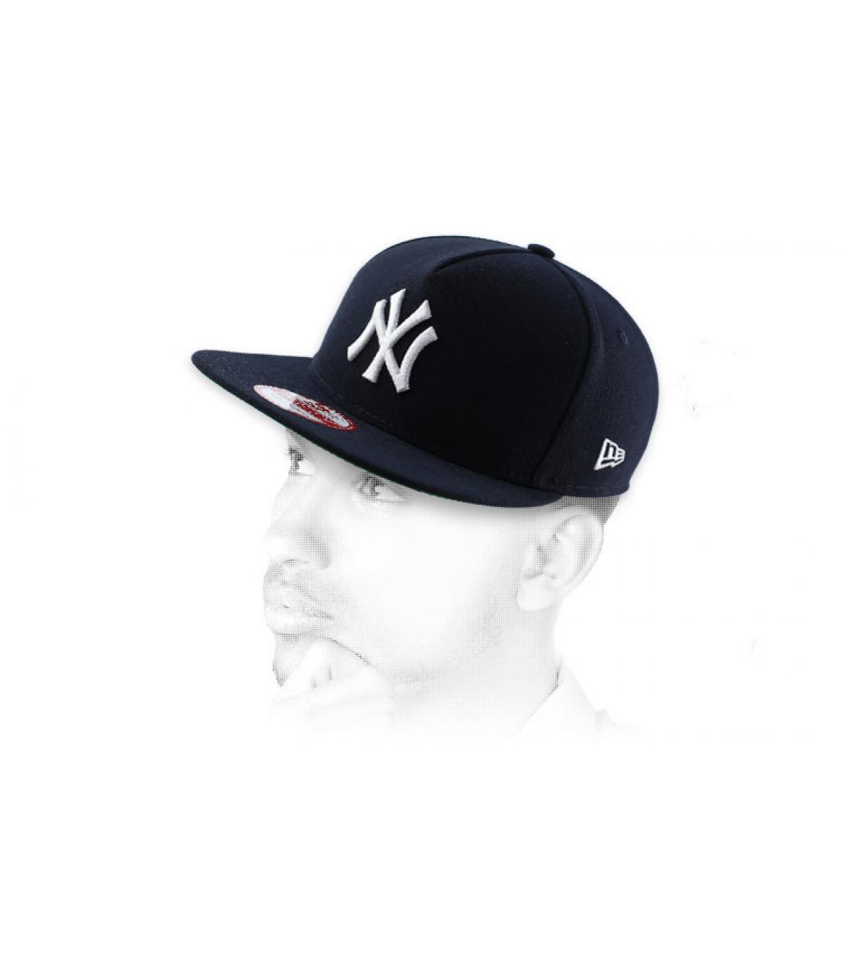 snapback nero NY