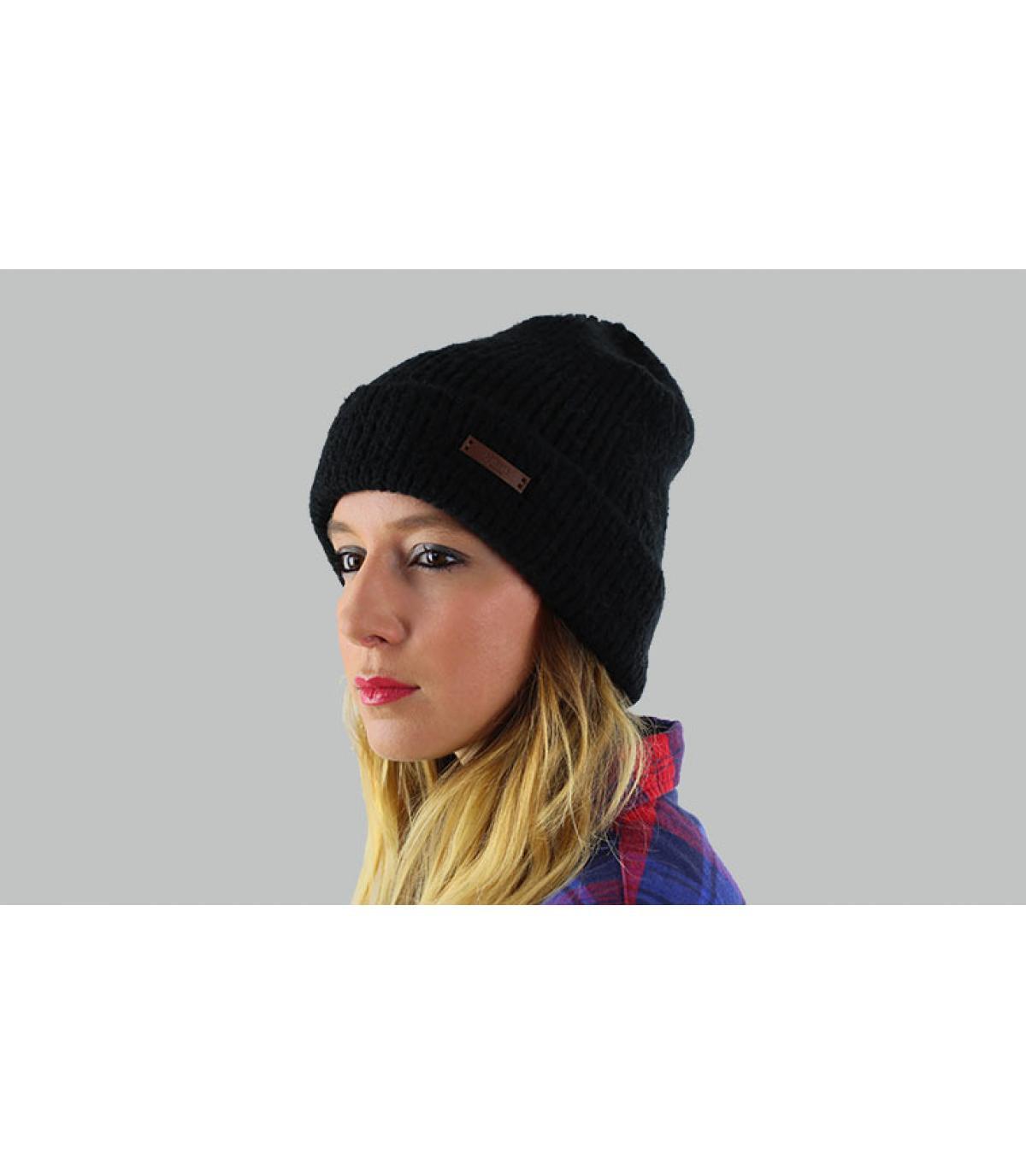 cappello nero bavero Barts
