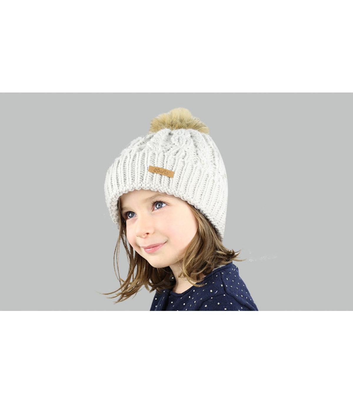 cappello grigio ragazza