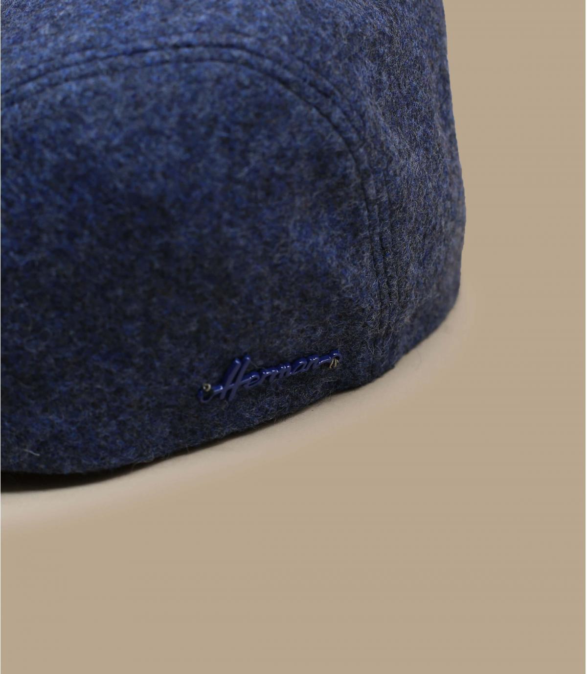 berretto blu tazza orecchio lana
