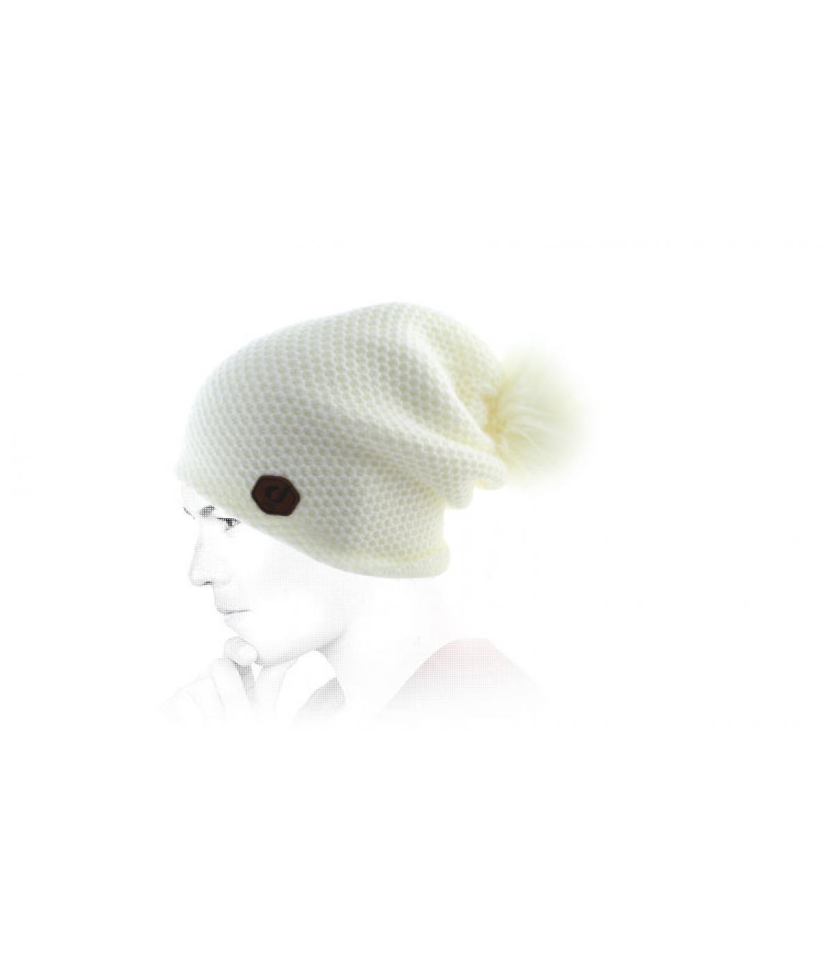 pompon bianco lungo del cofano