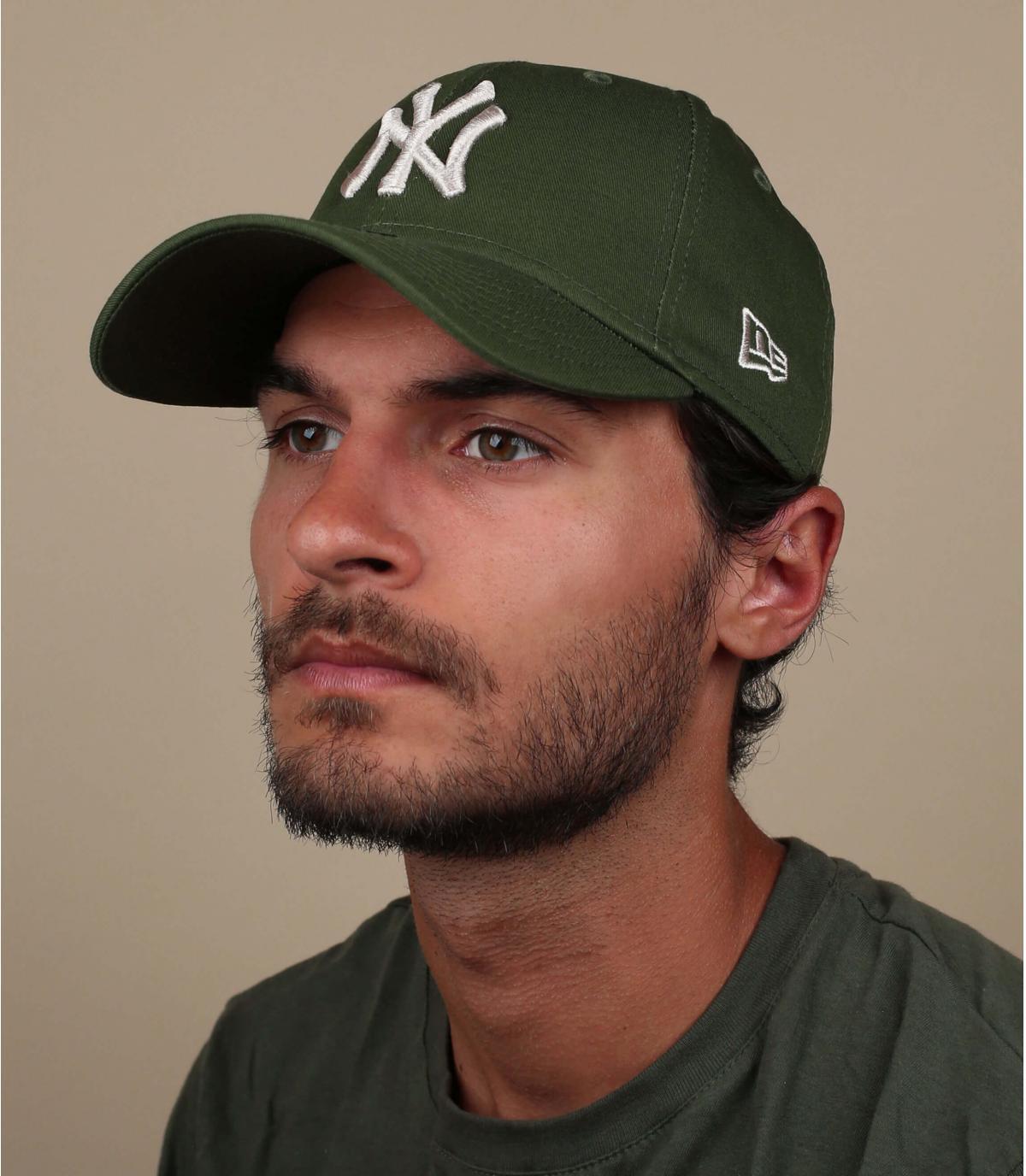 NY cappuccio verde grigio