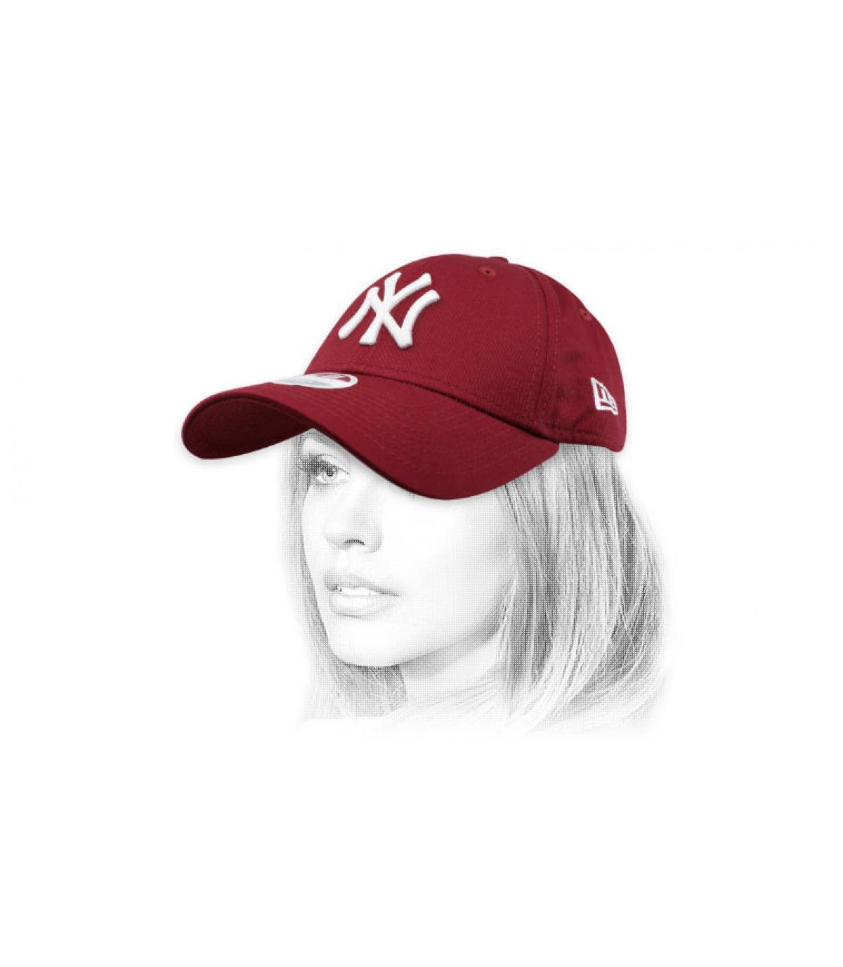 cappello donna NY bordeaux